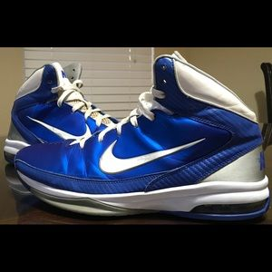 Size 12.5 Nike hyped basketball shoes air max